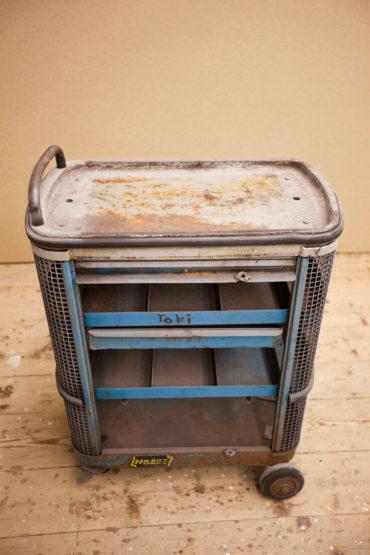2 M Sandstrahltechnik 135127 Werkzeugwagen 001
