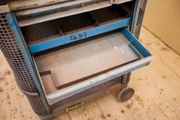 2 M Sandstrahltechnik 135127 Werkzeugwagen 009