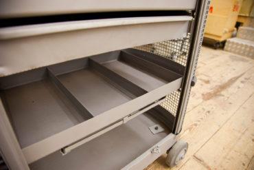 2 M Sandstrahltechnik 135127 Werkzeugwagen 012